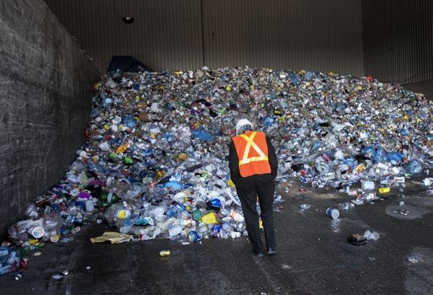 تصمیم کانادا برای منع استفاده از پلاستیکهای یک بار مصرف تا سال 2021