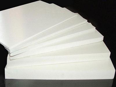 پی وی سی (PVC) چیست و چه کاربردهایی دارد؟